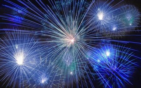 fogo de artifício em tons de azul