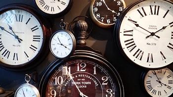 vários relógios