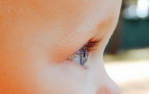 olhar azul de criança