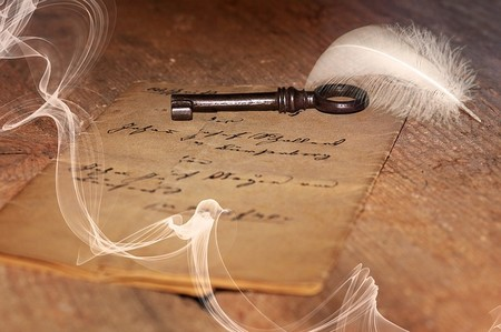 carta antiga e chave