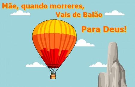 balão com cesto que sobe no céu