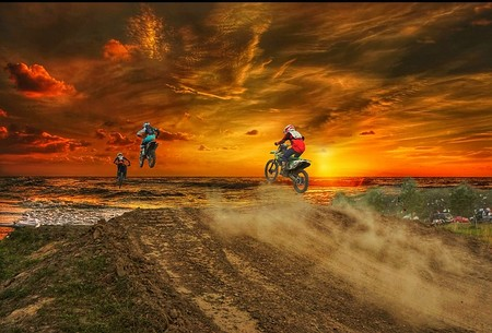 salto de rampa em motocross