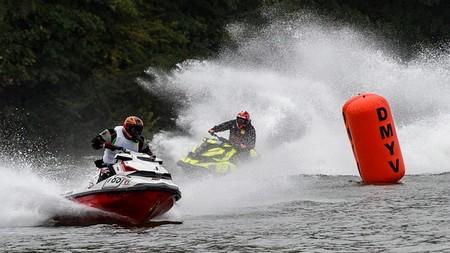 corrida de motos de água