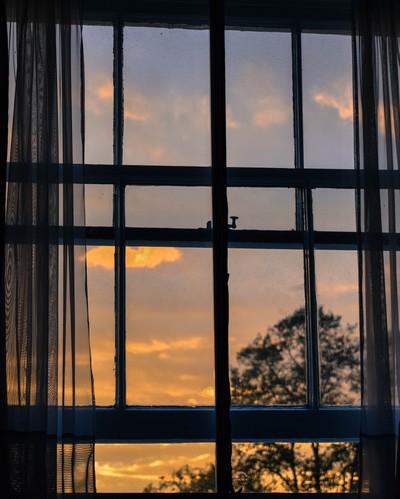 janela sobre o ponete